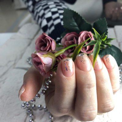Маникюр в ногтевой студии На Клавишах