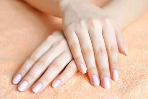 Как укрепить хрупкие и слоящиеся ногти?